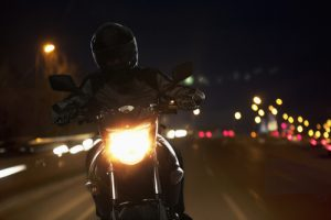 riding-motorcycle-night